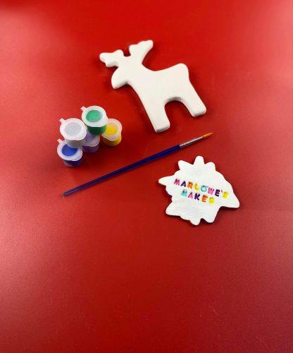 Reindeer decoration pottery kit